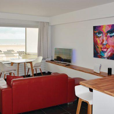 zeezicht oostende Puerto Cristo studio vakantie vakantieverhuur zeedijk